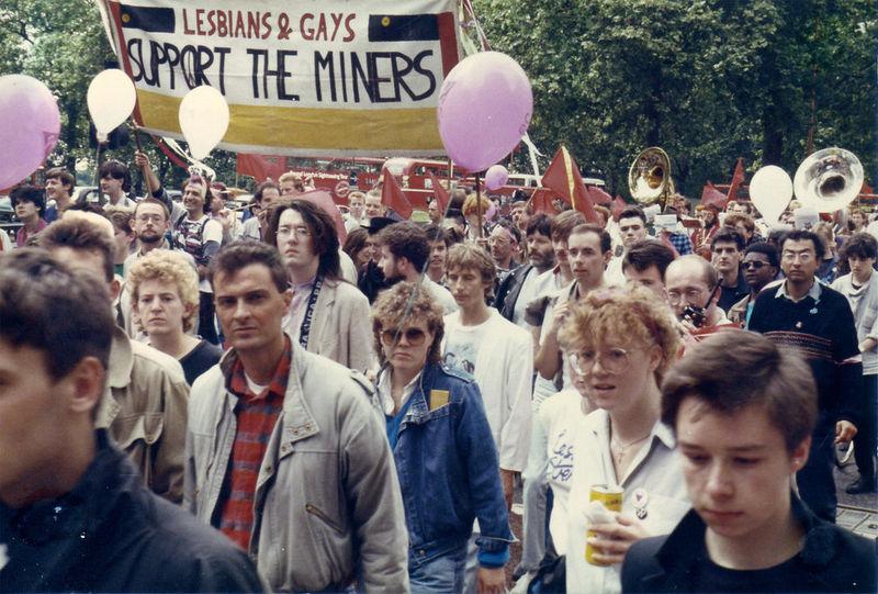 millionnaire gay rencontres au Royaume-Uni